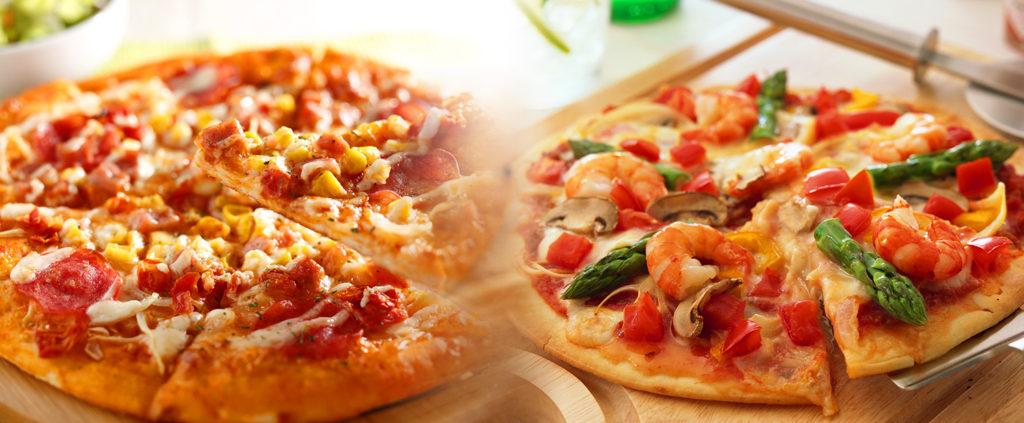 ゲームバーでピザ